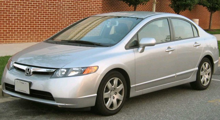 06-07_Honda_Civic_LX_Sedan-750x410