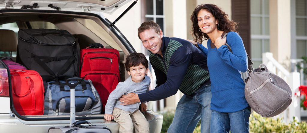 familia-viajar-carro-troca-de-oleo-car
