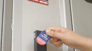 Como é feito o acesso para moradores e visitantes na portaria virtual para condomínios?