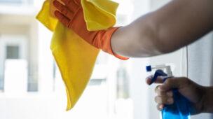 Por que terceirizar o serviço de limpeza em condomínio?