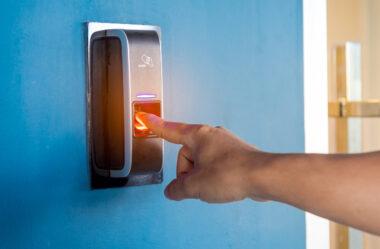 Leitores biométricos: um controle necessário!